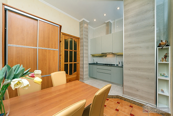 Cozy one bedroom apartment in the center of Kiev, Zweizimmerwohnung (22818), 012