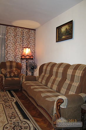 Тиха квартира неподалік від центру, 2-кімнатна (68378), 002