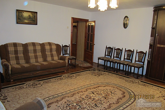 Тиха квартира неподалік від центру, 2-кімнатна (68378), 004