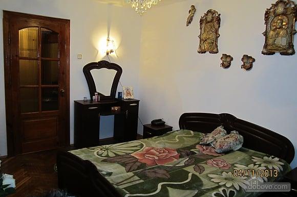 Тиха квартира неподалік від центру, 2-кімнатна (68378), 005