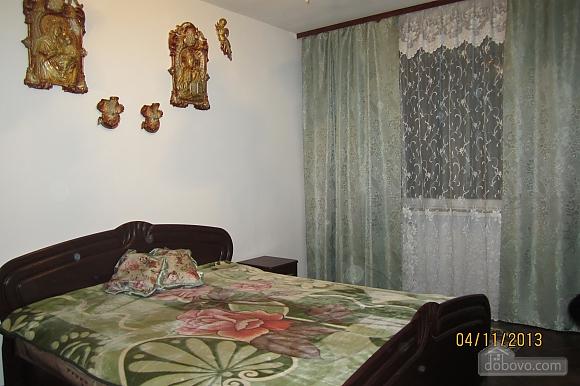 Тиха квартира неподалік від центру, 2-кімнатна (68378), 006