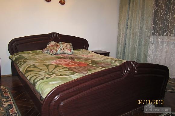 Тиха квартира неподалік від центру, 2-кімнатна (68378), 007