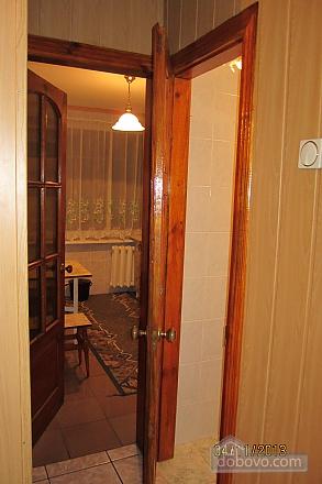 Тиха квартира неподалік від центру, 2-кімнатна (68378), 011