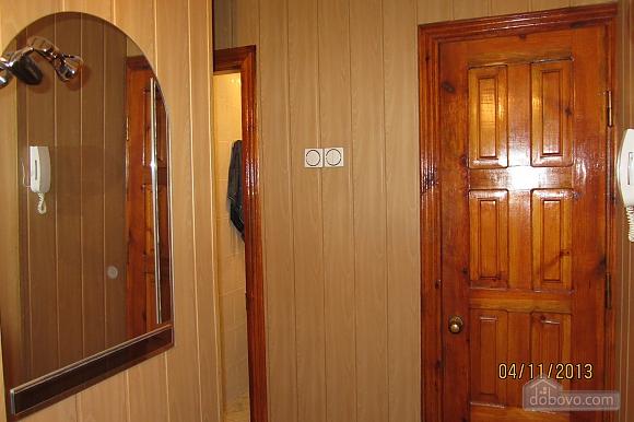 Тиха квартира неподалік від центру, 2-кімнатна (68378), 012