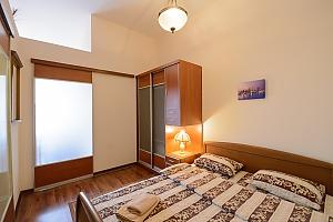 One bedroom apartment on Mykhailivska (112), Zweizimmerwohnung, 002