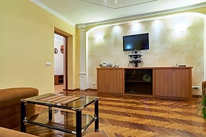 Pleasant flat on Podil near Kontraktovaya Square, One Bedroom, 004