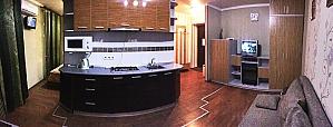 Чудова стильна квартира в центрі, 2-кімнатна, 001