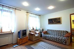 Трикімнатна квартира на Франка (125), 3-кімнатна, 003