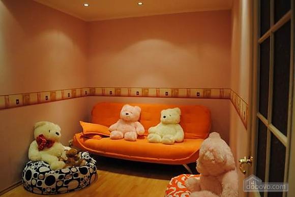 Incredible in Odessa center, Trois chambres (96970), 005