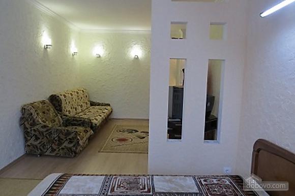 Затишна і світла квартира з євроремонтом, 1-кімнатна (81913), 002