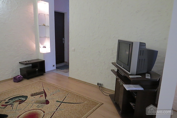Затишна і світла квартира з євроремонтом, 1-кімнатна (81913), 004