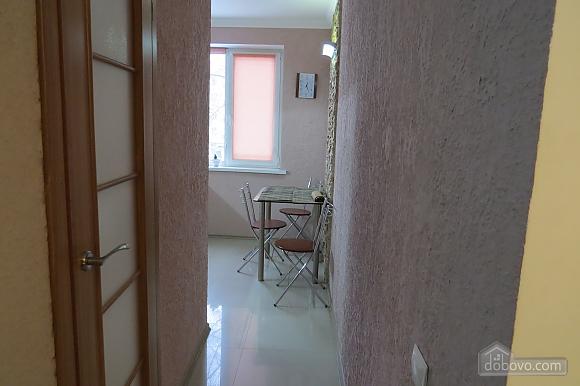 Затишна і світла квартира з євроремонтом, 1-кімнатна (81913), 008