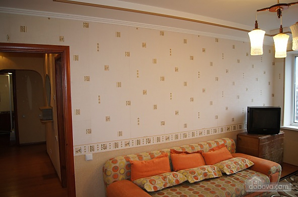 Warm apartment in Zhytomir city center, One Bedroom (17907), 003