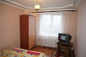 Warm apartment in Zhytomir city center, Una Camera, 001