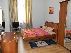 Квартира в центрі Києва, 2-кімнатна, 001