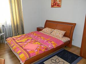 Квартира в центрі Києва, 2-кімнатна, 002
