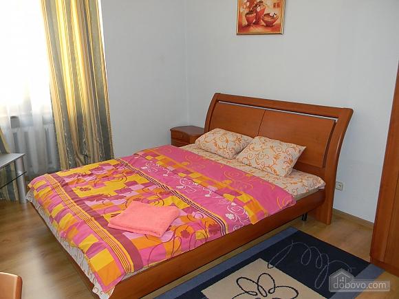 Квартира в центре Киева, 2х-комнатная (76388), 002