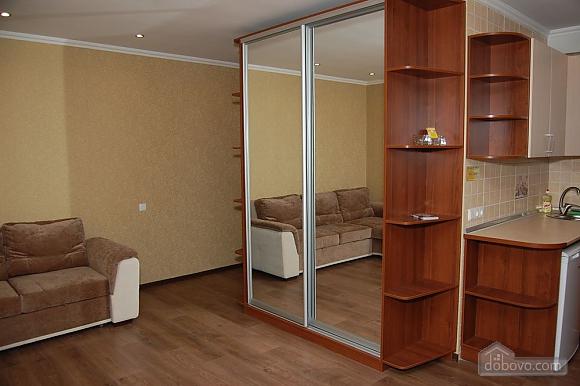 Apartment in the city center, Studio (40111), 003