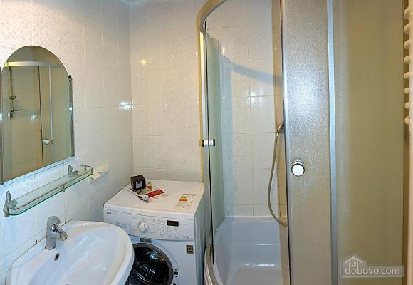 Daily rent in Truskavets, Dreizimmerwohnung (72192), 003