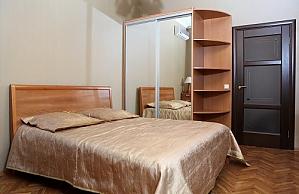 VIP penthouse on Kreshchatyk , Una Camera, 002