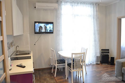 Luxury with balcony in the city center, One Bedroom (23604), 005