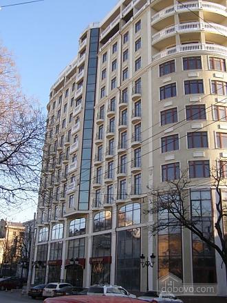 Люкс із балконом у самому центрі, 2-кімнатна (23604), 009