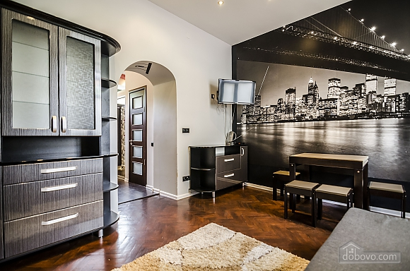 Квартира з дизайнерським ремонтом, 2-кімнатна (99593), 002