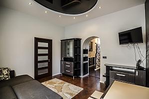 Квартира з дизайнерським ремонтом, 2-кімнатна, 003