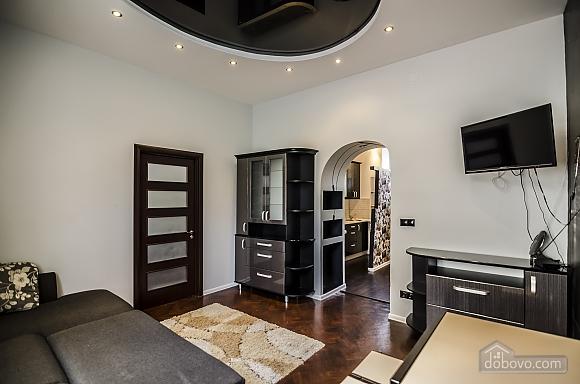 Квартира з дизайнерським ремонтом, 2-кімнатна (99593), 003
