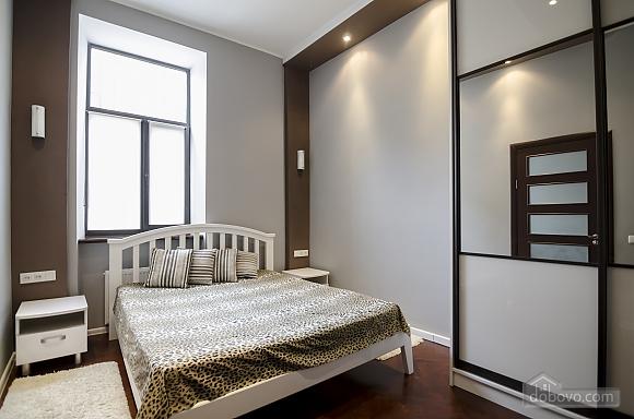 Квартира з дизайнерським ремонтом, 2-кімнатна (99593), 005