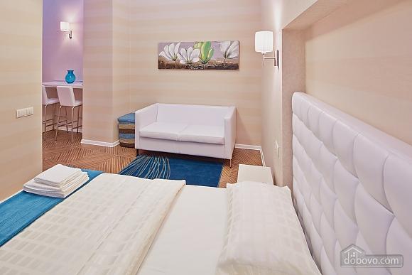 Красивая квартира, 1-комнатная (85744), 003