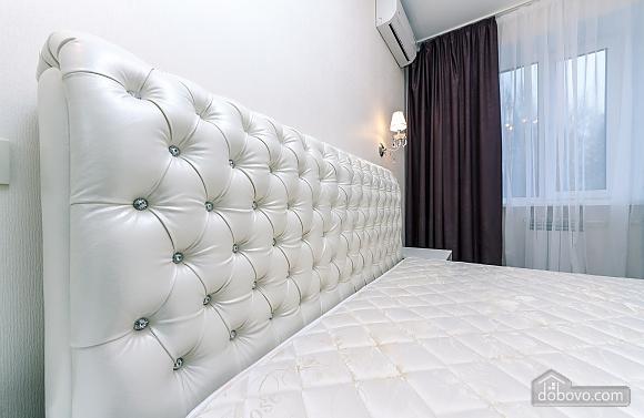 VIP apartment near Palats Sportu, Una Camera (60935), 003