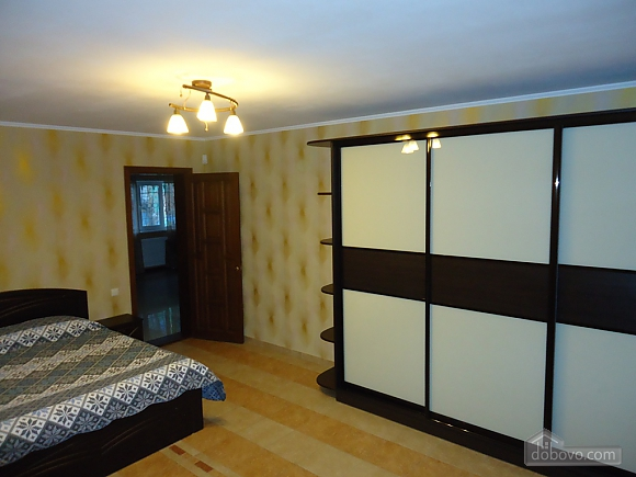House in the city center, Two Bedroom (18425), 003