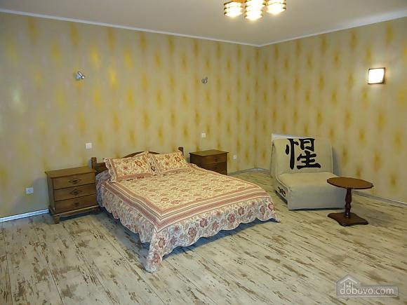 The apartmen in the center of Kherson, Studio (23679), 001