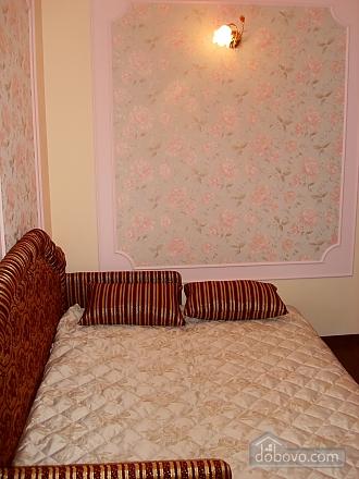 Люкс у центрі, 2-кімнатна (86069), 002