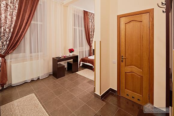 Comfort suit in a mini-hotel, Studio (94409), 003