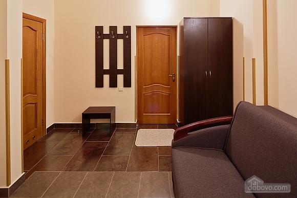 Comfort suit in a mini-hotel, Studio (94409), 007