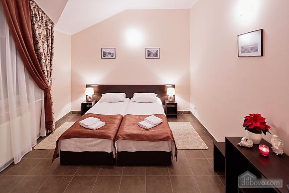 Comfort suit in a mini-hotel, Studio (87670), 001