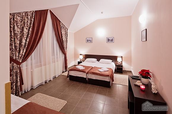Comfort suit in a mini-hotel, Studio (87670), 002