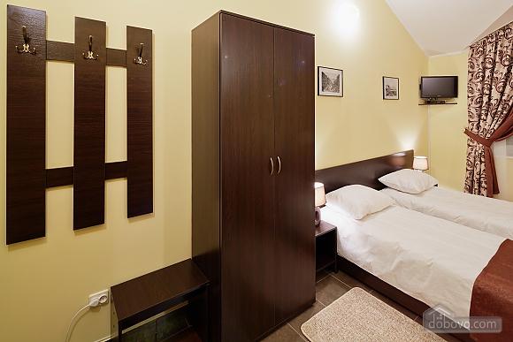 Уютный номер в мини-отеле, 1-комнатная (79318), 010