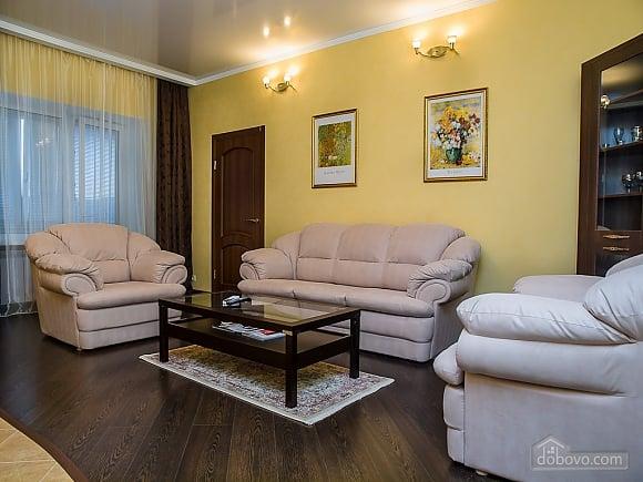 Квартира VIP, 2х-комнатная (77687), 003