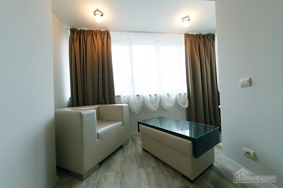 VIP design on Lesi Ukrayinky, Tre Camere (24302), 008