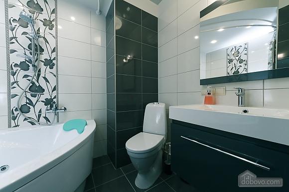 VIP design on Lesi Ukrayinky, Tre Camere (24302), 011
