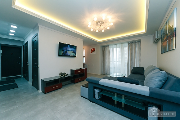 VIP design on Lesi Ukrayinky, Tre Camere (24302), 015