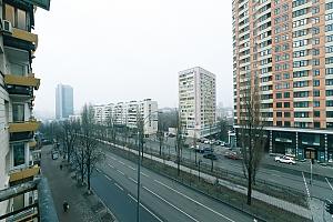 VIP design on Lesi Ukrayinky, Trois chambres, 021