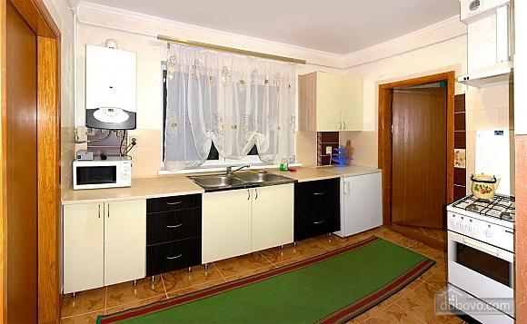 Затишна квартира неподалік від бювету, 1-кімнатна (84350), 002
