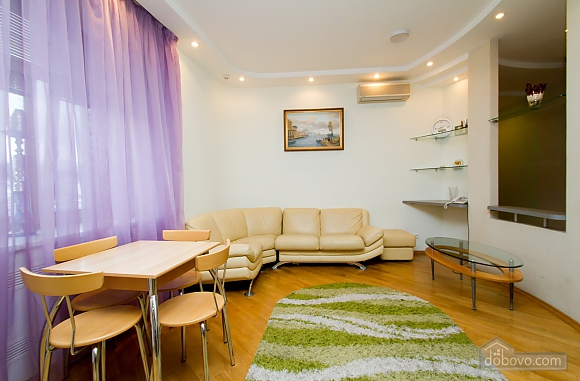 Квартира недалеко від Майдану Незалежності, 3-кімнатна (29353), 001