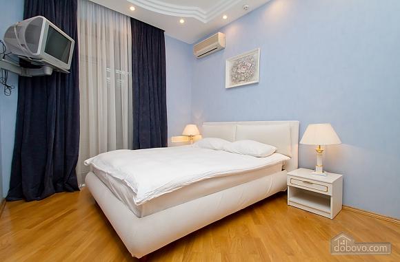 Квартира недалеко від Майдану Незалежності, 3-кімнатна (29353), 011