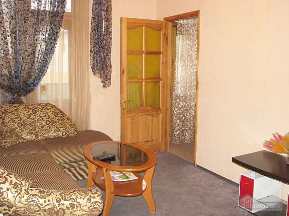 Апартаменти в центрі міста, 2-кімнатна (45760), 004