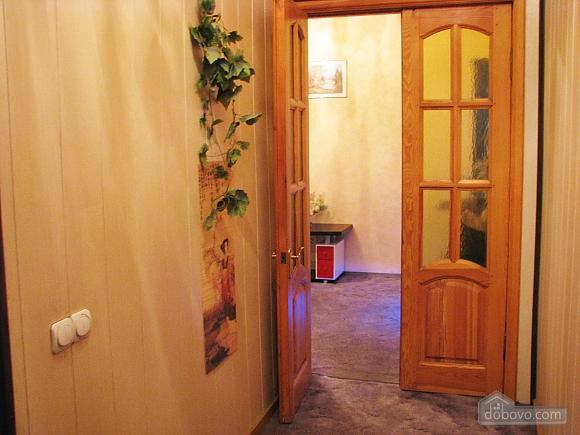 Апартаменти в центрі міста, 2-кімнатна (45760), 005